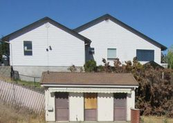 W Yakima Ave