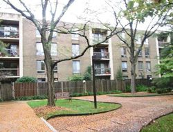 N Howard St Apt 221