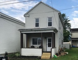 10th St - Foreclosure In Moundsville, WV