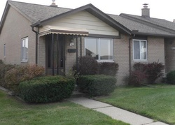18 Mile Rd Apt 81 - Foreclosure In Sterling Heights, MI