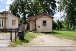 Laurel St - Foreclosure In Baton Rouge, LA