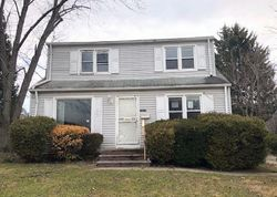 Park Knoll Dr - Foreclosure In Cleveland, OH