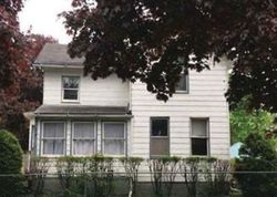 Cottage Grove Ave - Foreclosure In Waterloo, IA