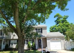 Elm St - Foreclosure In Central Islip, NY