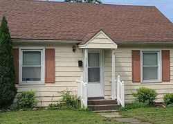 E Brentwood Ave - Foreclosure In Effingham, IL