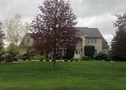 Maple Woods Dr W