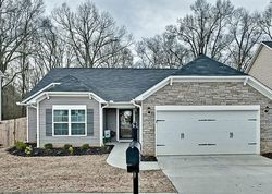 Rivers Edge Cir