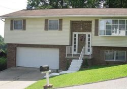 Timberview Dr - Foreclosure in Charleston, WV